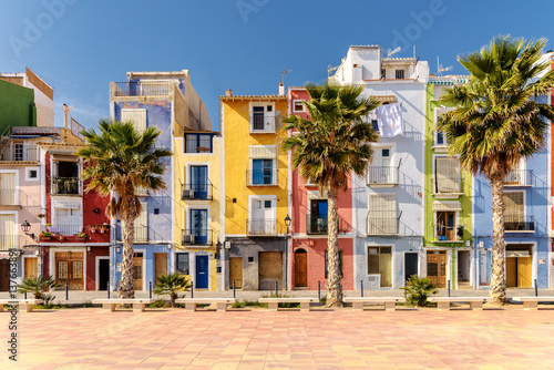 Canvas Colorful homes in Mediterranean village of Villajoyosa