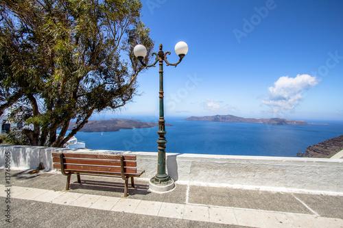 Staande foto Tunesië Bench and sea