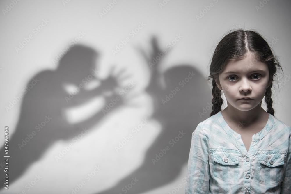 Fototapeta Silhouette of parents expressing quarrel