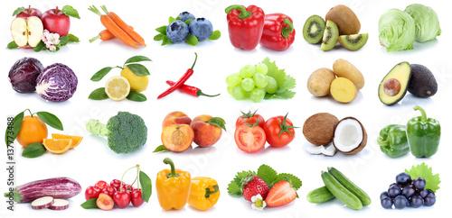 Obst und Gemüse Früchte Apfel Orange Tomaten Salat Weintrauben frische Collage Freisteller freigestellt isoliert © Markus Mainka