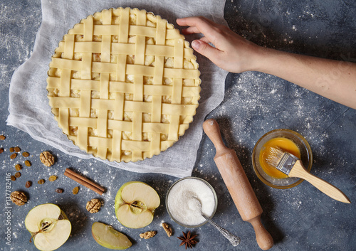 Photo  Apple pie tart homemade American traditional autumn sweet pastry baked food prep