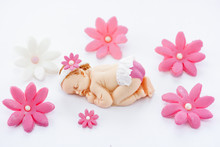 Edible Fondant Sleeping Baby Girl And Flowers Cake Topper For Decoration Cake