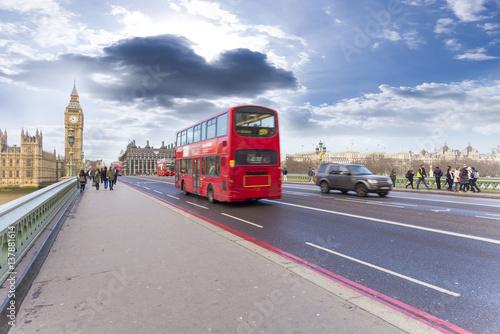 Poster Londres bus rouge Double decker bus in Westminster bridge