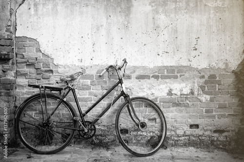Staande foto Fiets Bicycles on background old wall.