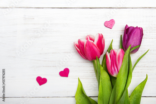 Tuinposter Tulp Tulip bouquet on white wooden background, copy space