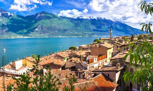 Limone - beautiful small town in pictorial Lago di Garda. Italy фототапет