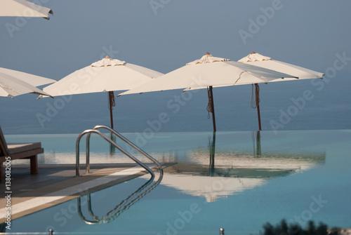 Fotografija  Infinity Pool The Leela Hotel Kovalam, Kerala, India.