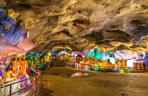 Cadres-photo bureau Kuala Lumpur Interior of the Ramayana Cave at Batu Caves complex, Kuala Lumpur, Malaysia