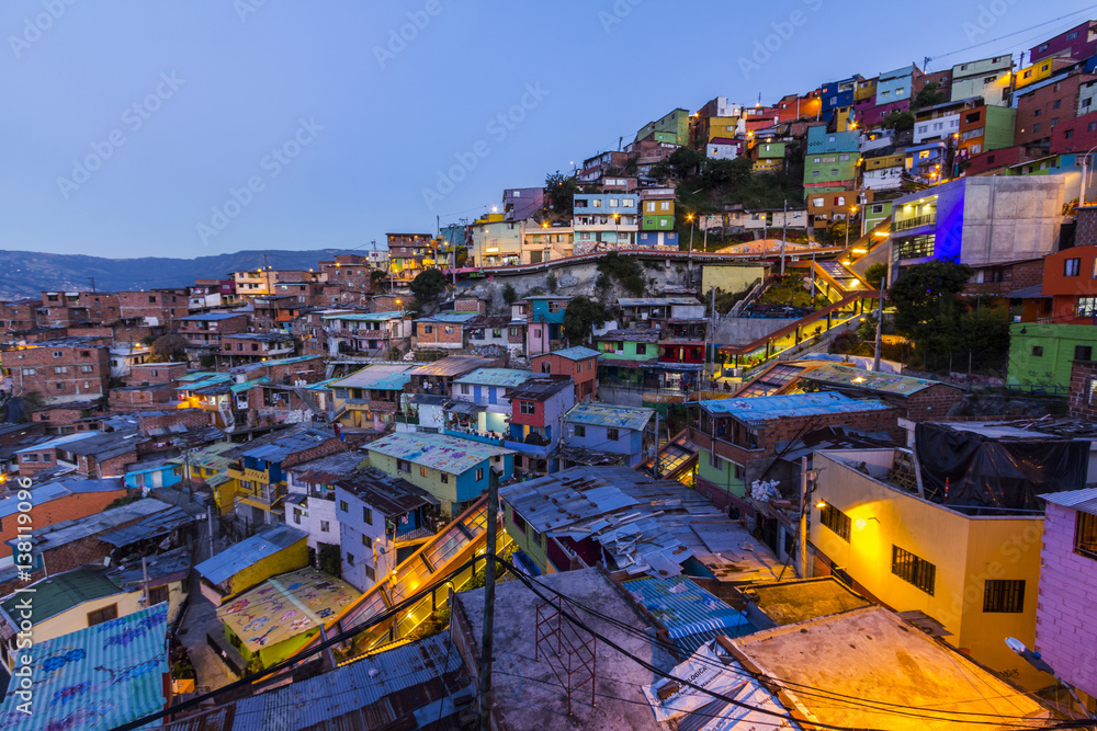 Fototapety, obrazy: Barrio Las Independencias, Medellin, Antioquia, Colombia