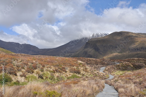 Photo  Mount Doom at Mordor (Mount Ngaunuhoe) Walkway at Tongariro Alpine Crossing