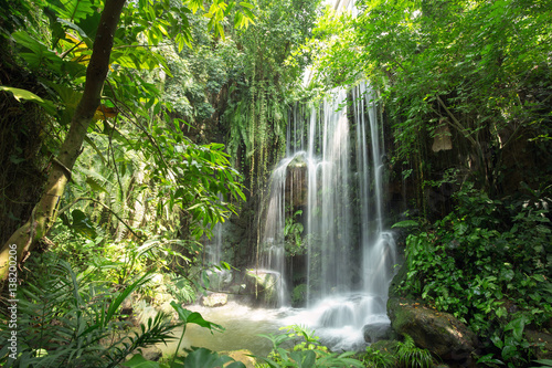 Foto op Plexiglas Watervallen Waterfall in jungle