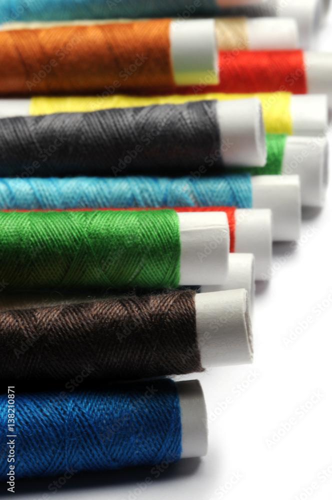 da58e866ea1f Photo   Art Print തുന്നൽ కుట్టుపని Costura Ompelu Couture Cucito Sewing  Spoletta Šití filo 바느질 Spa