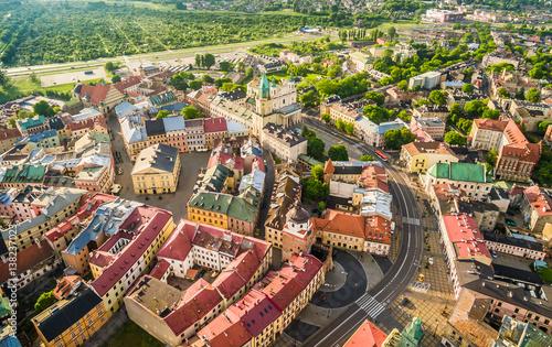 Obraz Lublin - krajobraz starego miasta z powietrza. Atrakcje turystyczne lublina z lotu ptaka. - fototapety do salonu