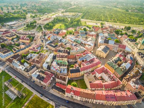 Fototapeta Lublin - panorama starego miasta. Atrakcje turystyczne lublina z lotu ptaka. obraz na płótnie