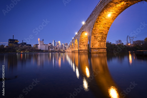 Photo  stone arch bridge
