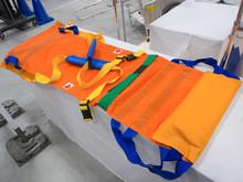布製の担架