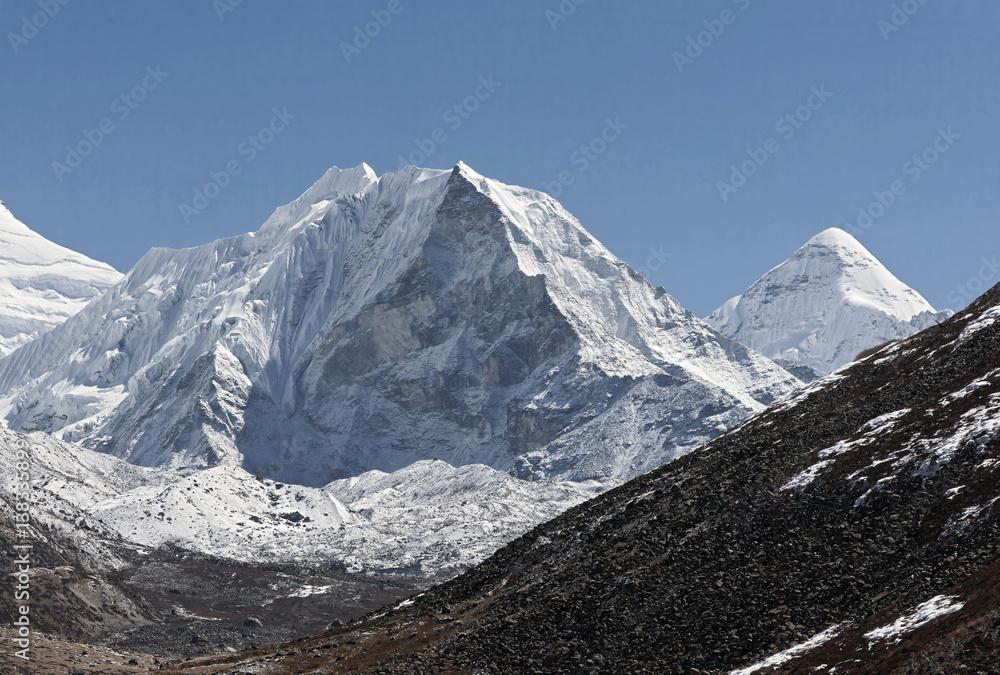 Valokuva Island peak (6189 m) in district Mt. Everest - Nepal, Himalayas