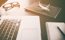 Business Travel Agency On Comp...