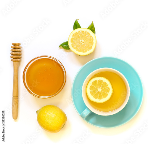 Photo  Cup of green tea with lemon and honey isolated on white background