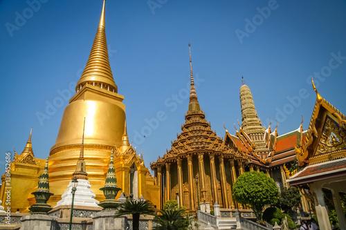 Photo Golden Temple Wat Pha Khaw in Bangkok