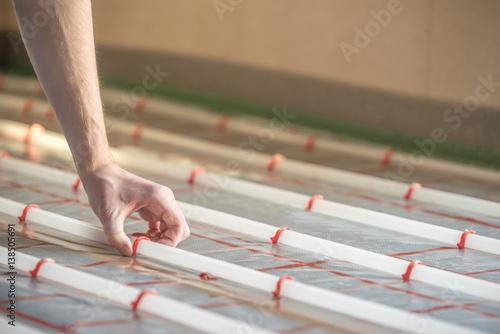 Fußbodenheizung Rohre Verlegen ~ Stilvolle kosten fußbodenheizung nachrüsten estrich frsen rohr