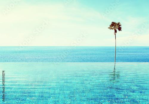 Photo  infiniti pool