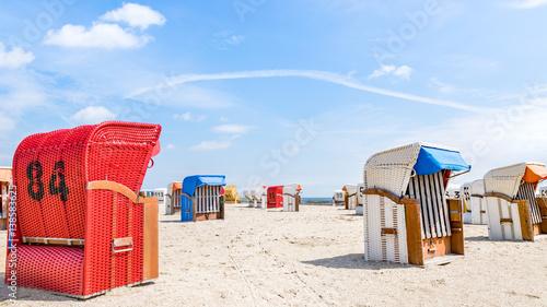 Tuinposter Noordzee Strandurlaub an der Nordee - Strandkörbe am Wattenmeer