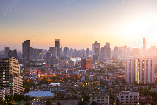 Keuken foto achterwand San Francisco Bangkok skyline sunrise with downtown and business area view.