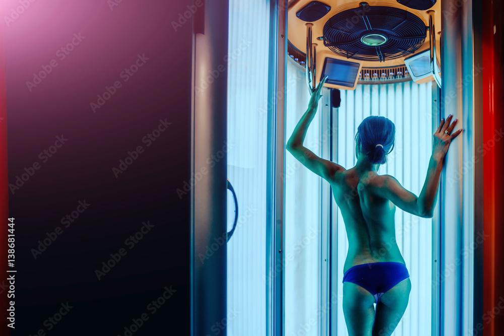 Fototapety, obrazy: pretty woman with sexy body in solarium