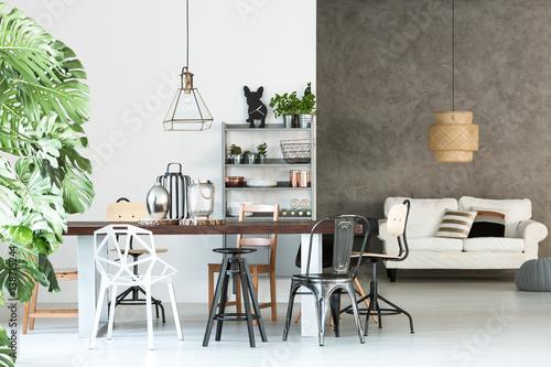 Pinturas sobre lienzo  Multifunctional loft with dining room
