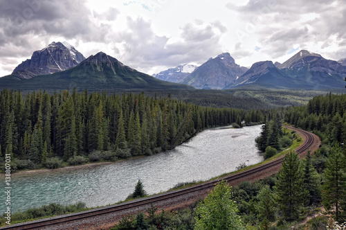 Foto op Aluminium Natuur Park river, railway and Rocky Mountains in Banff National Park, Alberta