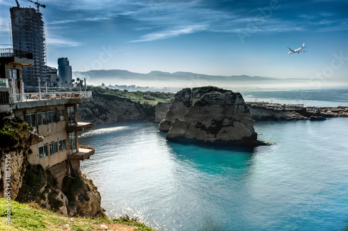 Papel de parede  Pigeon Rocks, the famous geological formations off the coast of Beirut, Lebanon