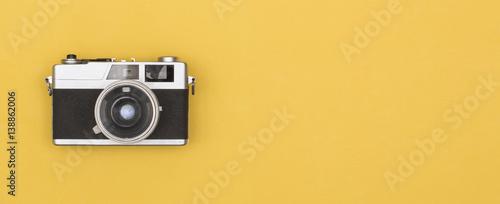 Obraz retro photography camera on colored background - fototapety do salonu