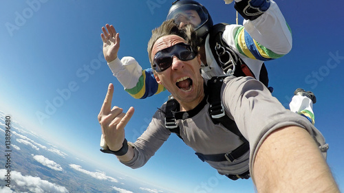 Foto op Canvas Luchtsport Selfie skydiving tandem