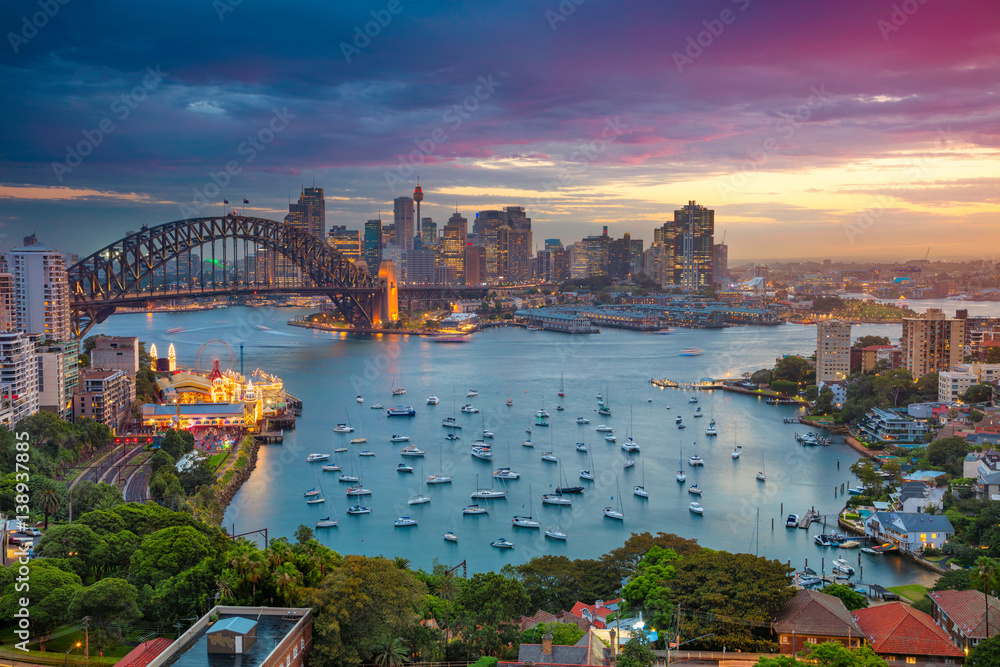 Fototapeta Sydney. Cityscape image of Sydney, Australia with Harbour Bridge and Sydney skyline during sunset.