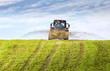 canvas print picture - Traktor mit Jauchewagen