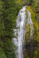 Fototapeta Waterflow in Oregon