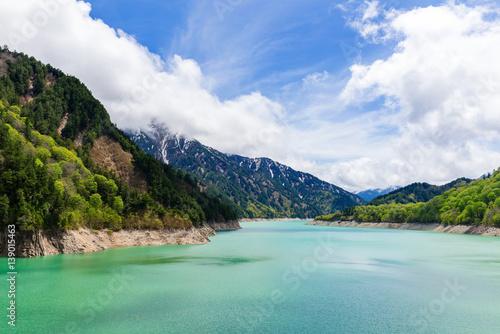 Foto auf Gartenposter Reflexion Kurobe Dam in Japan