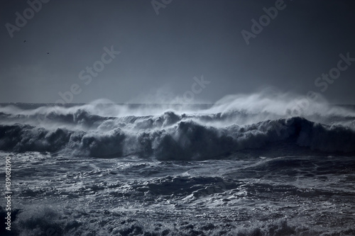 Poster Cote Stormy waves approaching coast