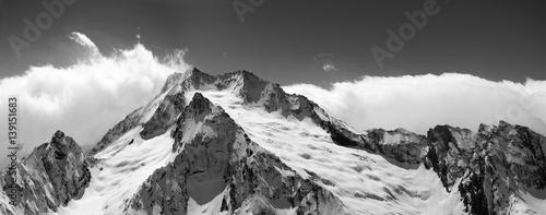 Foto auf Gartenposter Gebirge Black and white mountain panorama