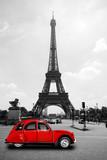 Fototapeta Fototapety z wieżą Eiffla - Eiffelturm in Paris mit roter Ente - Tour Eiffel Eiffeltower