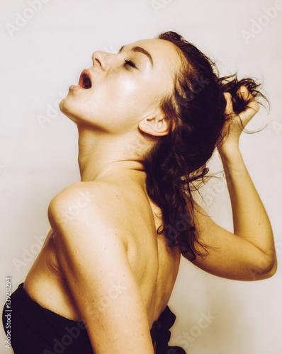Plakat Piękna kobieta z orgazmem