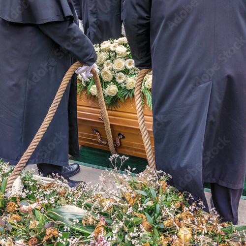 Leinwand Poster Beerdigung / Beisetzung