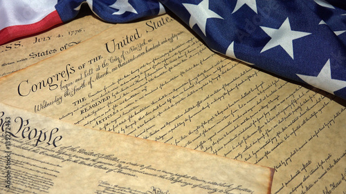 Valokuva United States Bill of Rights Preamble to the Constitution and American Flag