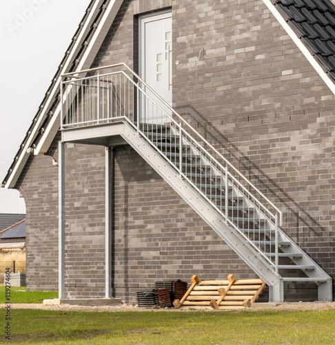 Photo Stands Stairs Metalltreppe an einer Außenfassade