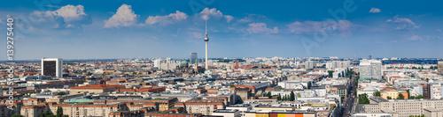 Foto op Plexiglas Berlijn Beautiful panorama of the skyline of Berlin