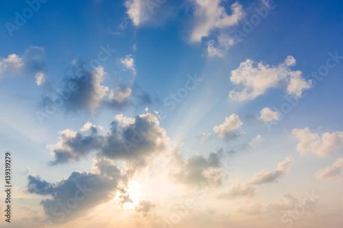 Fotografía  Amazing beautiful blue sky with clouds