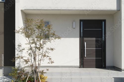 Fotomural  住宅 玄関アプローチ デザイン住宅 外構 エクステリア 植栽あり