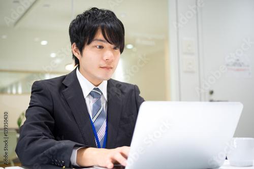 Fotografie, Obraz  ビジネスイメージ(男性・オフィス・真剣)