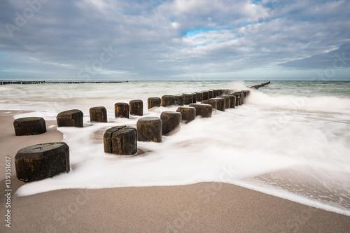 Fototapety, obrazy: Buhnen an der Küste der Ostsee